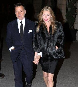 Kate Moss, en París de la mano con otro que no es su novio