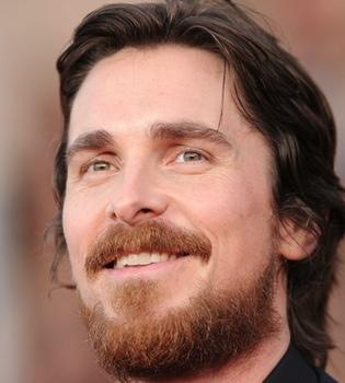 Christian Bale se corta 'la coleta': nuevo cambio de look