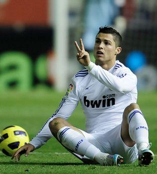 Cristiano Ronaldo celebra su 26 cumpleaños marcando goles