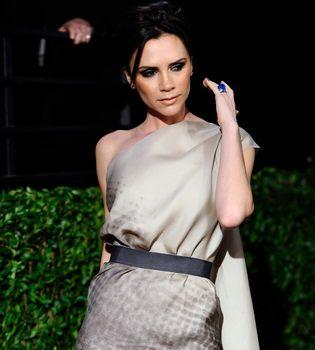 Victoria Beckham quiere posar desnuda embarazada para Vogue