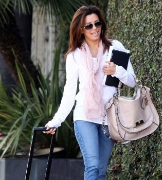 Eva Longoria vuelve al trabajo tras pasar unos días románticos con Eduardo Cruz