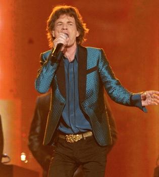 Mick Jagger, un muerto en Twitter muy vivo en los Grammy 2011