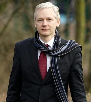 Toda la verdad sobre Julian Assange y 'Wikileaks' en un libro