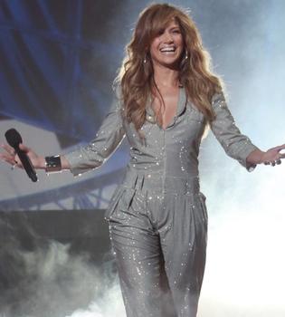 Jennifer López rechazó dos millones de euros por cantar para Gadafi
