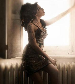 Huele a tercer disco de Amy Winehouse con aires caribeños