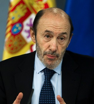 Alfredo Pérez Rubalcaba, ingresado por una infección urinaria