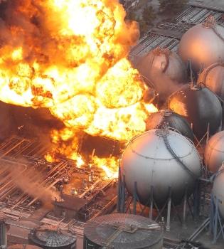 Japón declara emergencia nuclear por el incendio de una central tras el terremoto