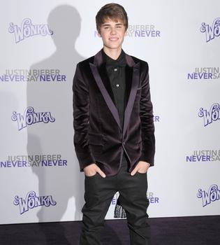 Justin Bieber reza en Twitter por las víctimas del tsunami y terremoto de Japón