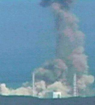 Imposible enfriar la central de Fukushima con agua desde el aire