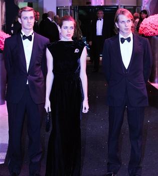 Pierre, Carlota y Andrea Casiraghi presiden el Baile de la Rosa