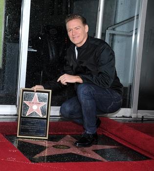 Bryan Adams recibe su estrella de la fama