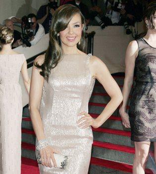 Thalía celebra dos 'baby shower': una real y otra cibernética