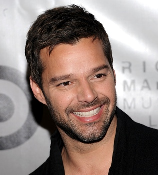 Ricky Martin desmiente los rumores de su boda con Carlos