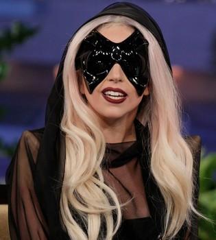 La madre de Lady Gaga ejercerá de niñera en su gira