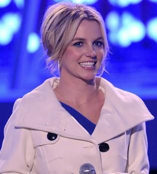 Britney Spears bate récord de ventas con 'Femme Fatale'