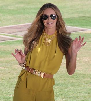 Elle Macpherson, de top a presentadora de moda