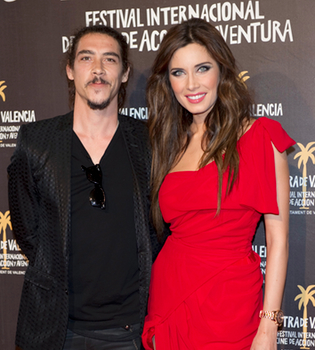 Pilar Rubio presenta 'Piratas' de rojo pasión
