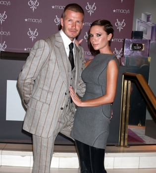 Victoria Beckham quiere llamar a su hija Santa