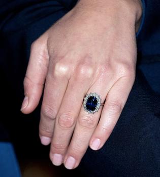 Kate Middleton pide que le ajusten el anillo de compromiso