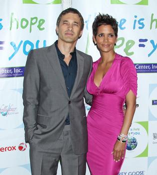 Halle Berry y Olivier Martínez, enamoradísimos