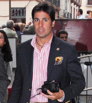 Fran Rivera inicia su devota Semana Santa en Sevilla