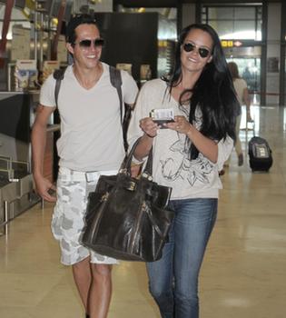 Shaila Dúrcal y Dorio aterrizan en Ibiza para la boda de Carmen