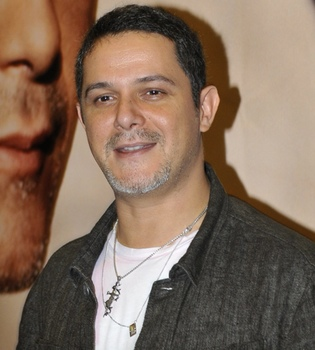 Alejandro Sanz niega en Twitter el enfado con David Bisbal