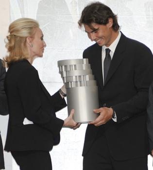 Rafa Nadal presume de su premio Juan Antonio Samaranch en su primera edición