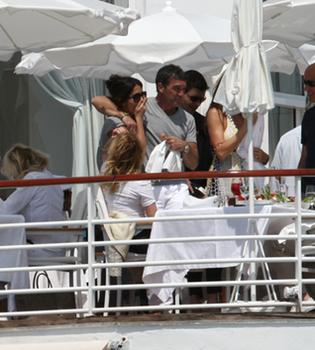 Antonio Banderas, Melanie Griffith y Salma Hayek, divertida jornada en Cannes
