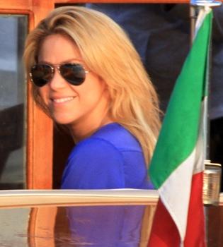 Shakira abandona a Piqué para cantar el 'Waka waka' en una boda india en Italia