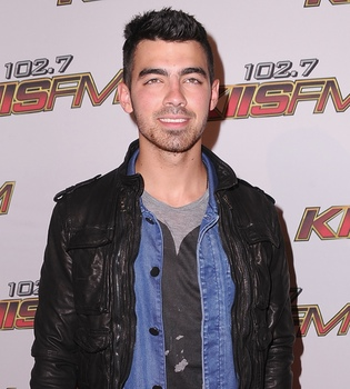 Joe Jonas lanzará el 3 de junio su primer single, 'See No More'
