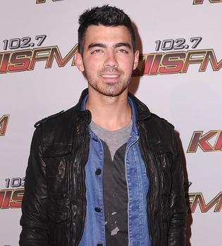 Joe Jonas lanzará el 3 de junio su primer single, 'See No More'