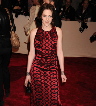 Angelina Jolie da consejos profesionales a Kristen Stewart