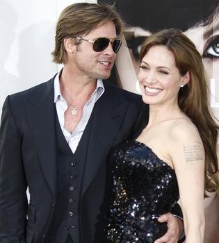 Angelina Jolie y Brad Pitt podrían casarse por insistencia de sus hijos