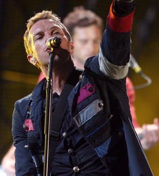 Curioso parecido de 'Every teardrop is a waterfall', de Coldplay, con 'Ritmo de la noche'