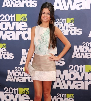 El cabreo de Selena Gomez en los MTV Movie Awards 2011