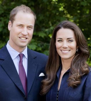 Kate Middleton y el príncipe Guillermo muestran la 'foto oficial' de su 'primer viaje oficial'