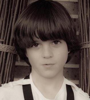 Santi Díaz será Darío en la tercera temporada de 'Los protegidos'