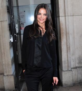 Olivia Palermo y Katie Holmes descubren lo nuevo de Armani en París