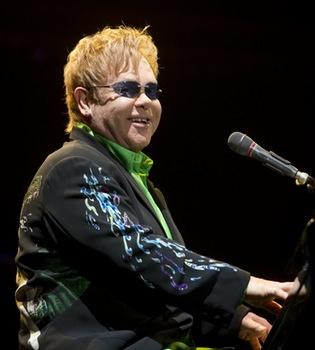 Elton John dará su primer concierto en Lima el 1 de septiembre