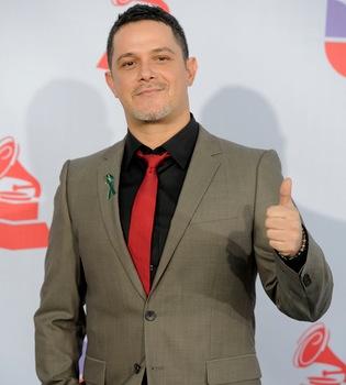 Alejandro Sanz anuncia el nacimiento de su hijo Dylan