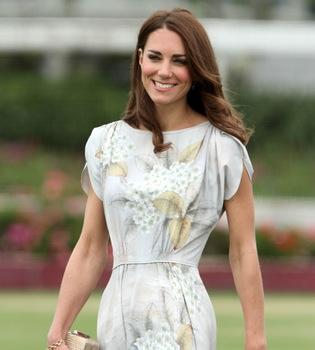 Isabel II de Inglaterra quiere conocer mejor a Kate Middleton