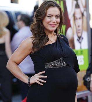 Alyssa Milano da a luz a su primer hijo con David Bugliari