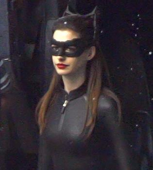 Anne Hathaway, una sexy Catwoman en el rodaje de 'Batman'