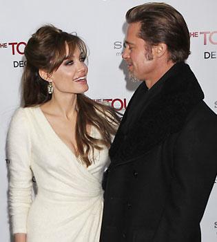 Angelina Jolie le regala a Brad Pitt un helicóptero de más de un millón de dólares