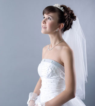 La boda más rara del mundo: 100 mujeres se casan consigo mismas