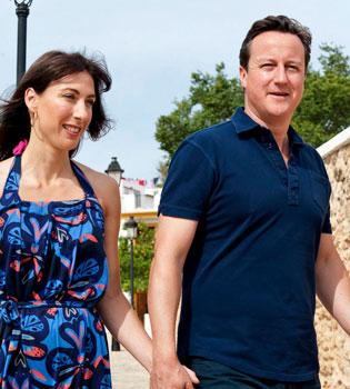 David Cameron se olvida a su hija en un pub