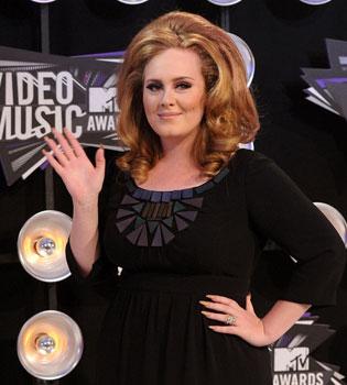 Adele, embarazada de su novio Simon Konecki