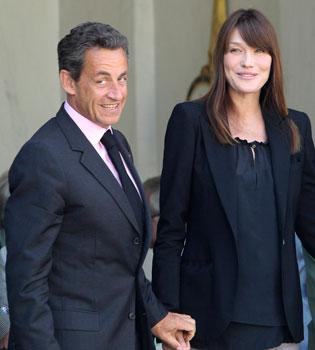 Carla Bruni y Nicolas Sarkozy, registrados por la Policía