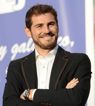 Iker Casillas pasa de Cristiano Ronaldo y de Mourinho